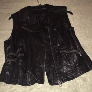 Woman vest nice to wear with boots